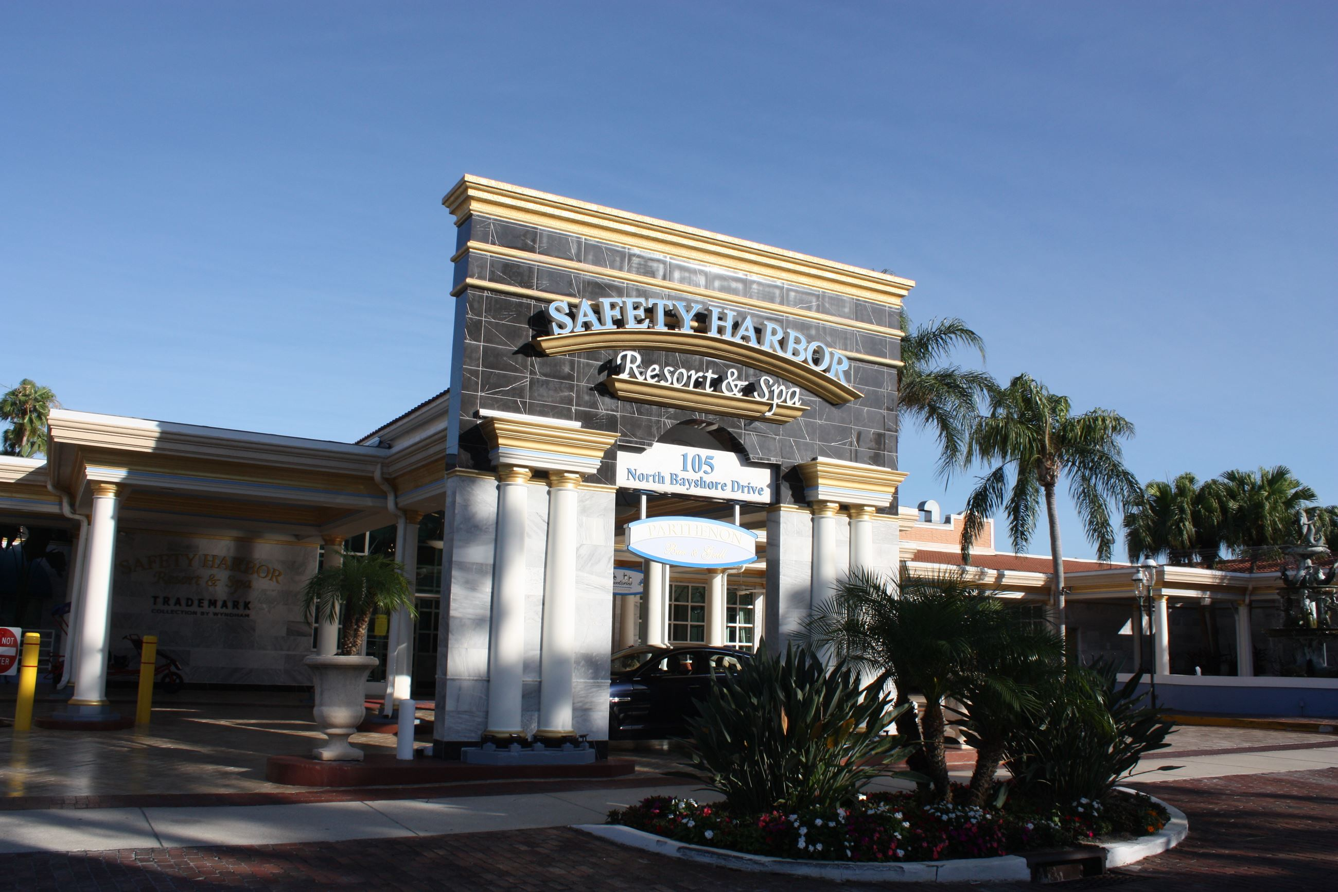Front entrance of Safety Harbor Resort & Spa at 105 North Bayshore Drive